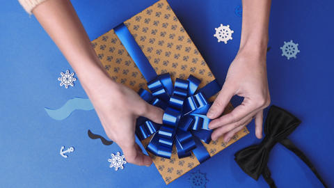 Wrapping the present parcel decoration box with presents 2 Live Action