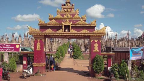 Kakku Pagodas Market Live Action