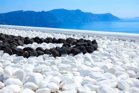 Terrace with Sea View and White and Black Stones Fotografía