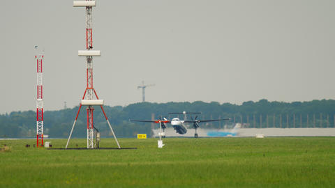 Bombardier Dash 8 Q400 Flybe departing from Amsterdam Live Action