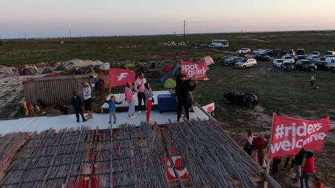 27.07.2020, Genichesk, Ukraine, people on the roof at the summer festival, 4k ライブ動画