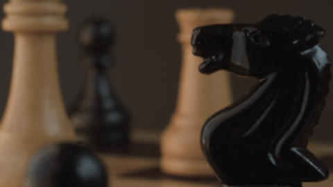 Wooden classic chess pieces Live Action