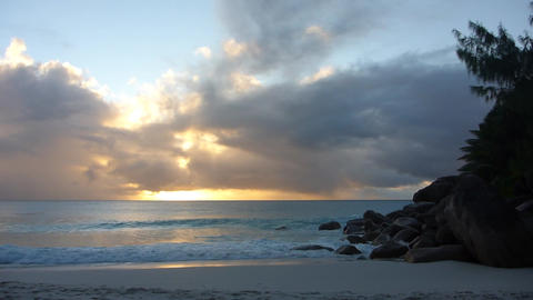 Sunset at the beach, Seychelles Live Action