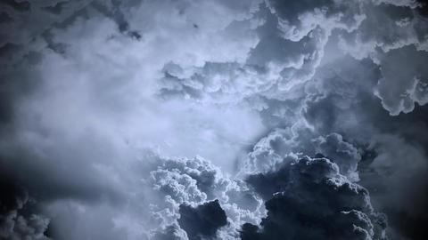 Flight Through Clouds - Dark Sky CG動画素材