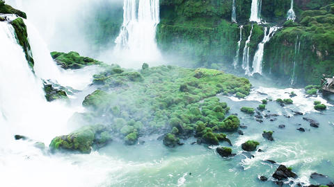 Iguassu Falls, the largest series of waterfalls of the world, located at the Bra Footage