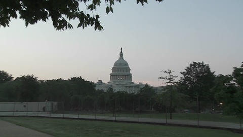 A fast zoom into the Capitol Building in Washington DC Stock Video Footage