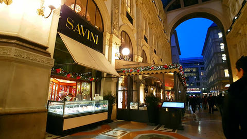 GALLERIA VITTORIO EMANUELE II, MILAN/ITALY - SAVINI RESTAURANT - November 2016 Live Action