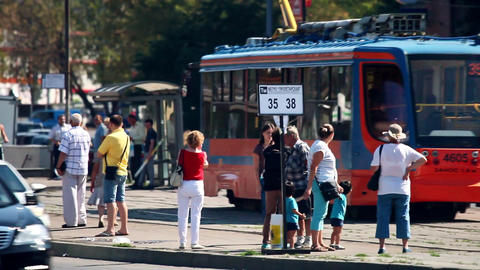 The arrival of the tram at a station in Moscow city Filmmaterial