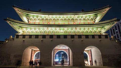 Timelapse of people at Gwanghwamun Gate in Seoul, South Korea ภาพวิดีโอ