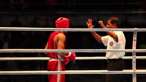 Boxing referee believes knockdown with sound Footage