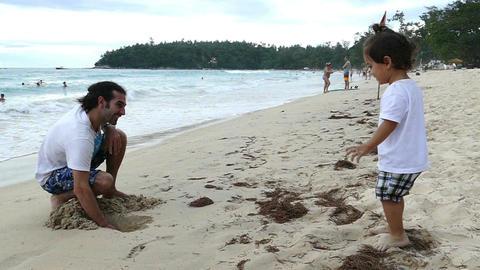 Slomotion kid on the beach Footage