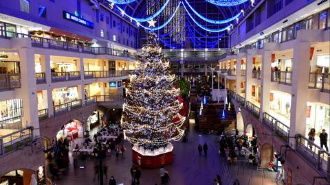 Christmas tree Time Lapse_2_4K Footage