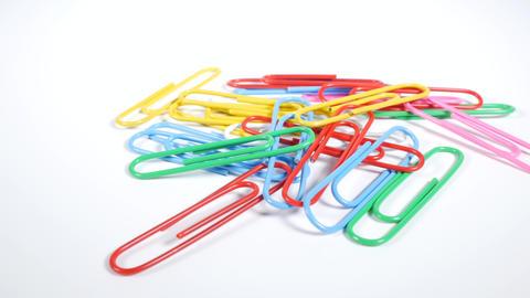 Color paper clip003 Live Action