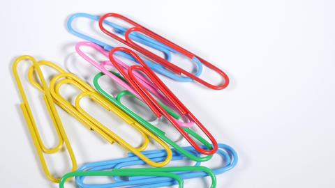 Color paper clip007 Live Action