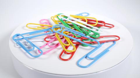 Color paper clip021 Live Action