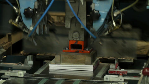 paper guillotine Stock Video Footage