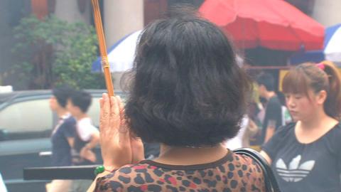 Praying at Jing'an Temple Footage
