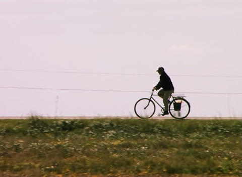 Rural bicyclist Stock Video Footage