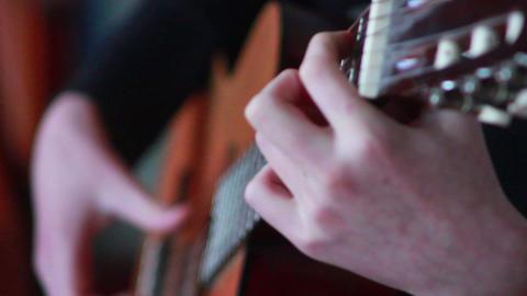 Gitarre spielen 2 Stock Video Footage