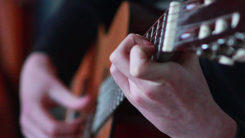 Gitarre spielen 2 Stock Video Footage