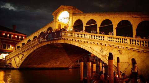 Some attractions of Venice city in Italy, Rialto bridge Stock Video Footage