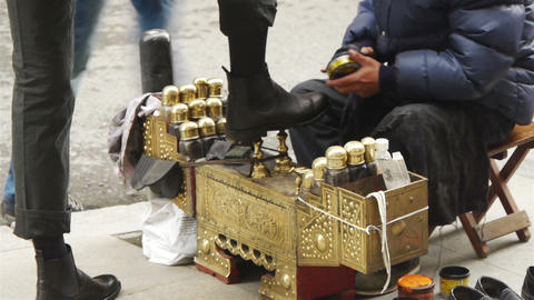 Shoeshiner at Istanbul street, Turkey Stock Video Footage