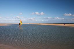 Windsurfer in the lagoon of Playa de Sotavento de Jand韆 사진