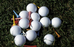 golfballs on a stack フォト