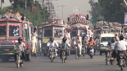 Busy traffic in downtown Karachi, Pakistan Stock Video Footage