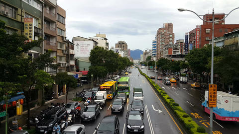 Traffic in the streets of Taipei 影片素材