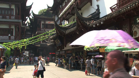 Tourism in yuyuan garden Stock Video Footage