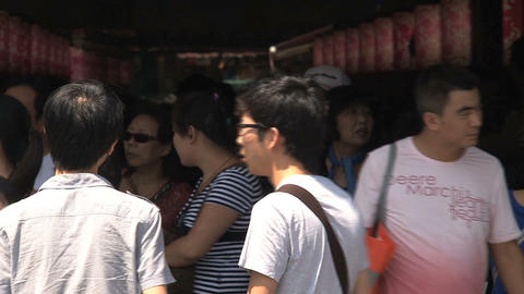 crowd in Yuyuan garden Stock Video Footage