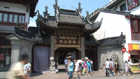 Entrance Yuyuan garden full with people Footage