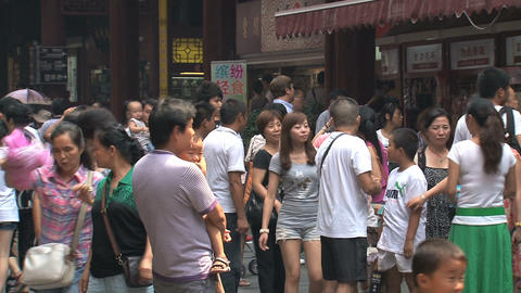 Chinees crowd at Yuyuan garden Footage