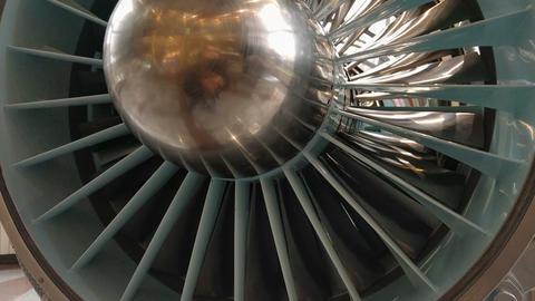 Jet engine113234 Live Action