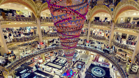 Paris, France - Timelapse - Galeries Lafayette Archivo