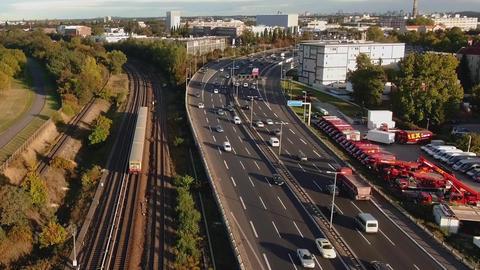 AERIAL | Highway & Train - Wide Filmmaterial