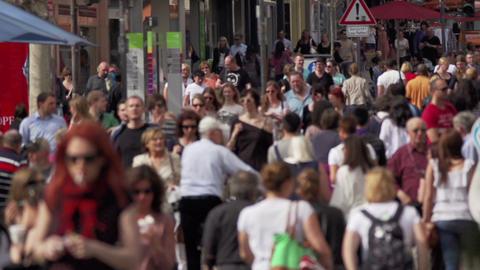 Menschen in der Stadt Stock Video Footage