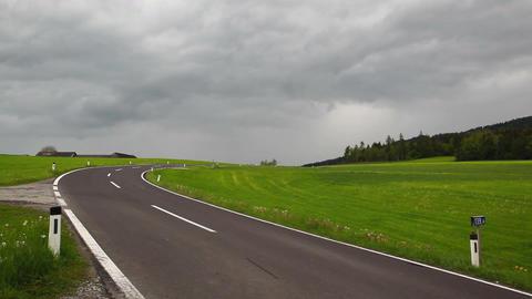 On the empty road 画像