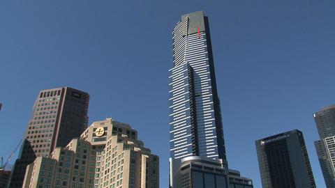 Tilt Eureka tower to yarra river Stock Video Footage