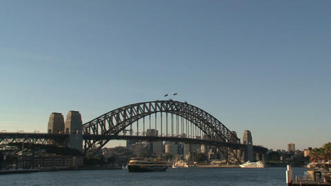 Harbour bridge zoom out Stock Video Footage
