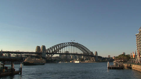Harbor bridge zoom out Stock Video Footage