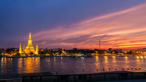 4K - WAT ARUN TEMPLE AT SUNSET - Bangkok Timelapse Footage
