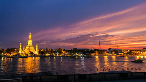 4K - WAT ARUN TEMPLE AT SUNSET - Bangkok Timelapse Stock Video Footage