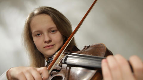 Teenager violinist Stock Video Footage