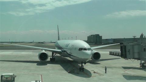 Tokyo Haneda Airport 16 ana flight arriving Footage