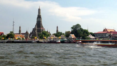 WAT ARUN Temple (Temple Of Dawn) Is One Of Bangkok Tourism Landmark stock footage