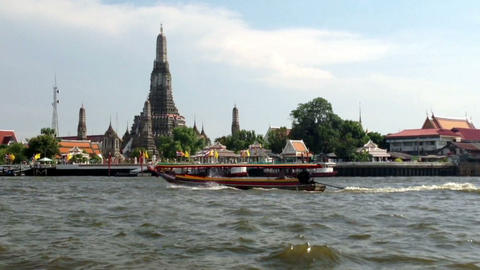 WAT ARUN Temple (Temple of Dawn) is one of Bangkok... Stock Video Footage