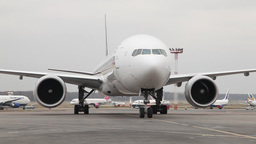 Aircraft taxiing Stock Video Footage