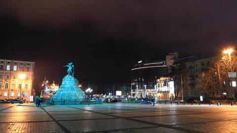 Monument to Bohdan Khmelnytsky in Kiev timelapse Stock Video Footage